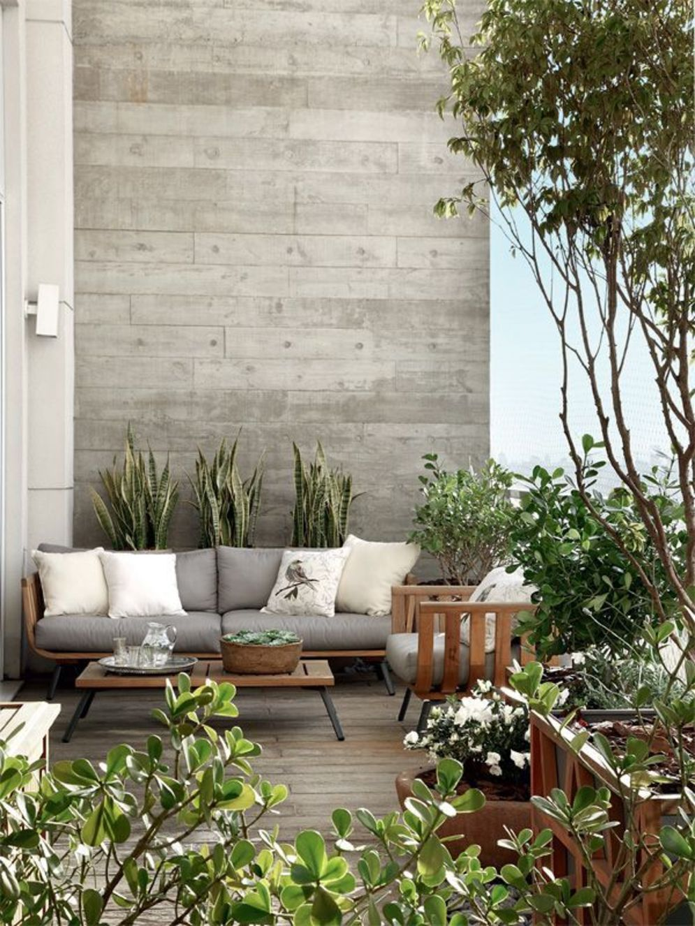Brilliant apartment balcony ideas converted into cozy living space Image 19