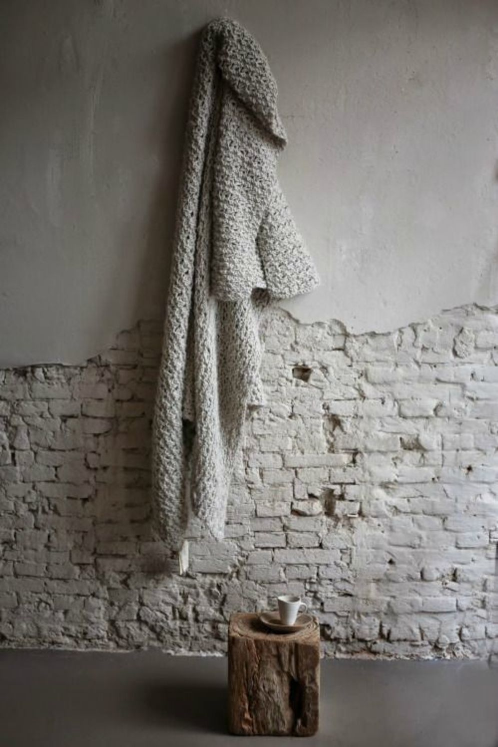 Clever ideas to make exotic interior update with rustic brick wall accents Image 9