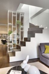Limitless interior schemes with clever glass partition enlarging wide interior vibes Image 42