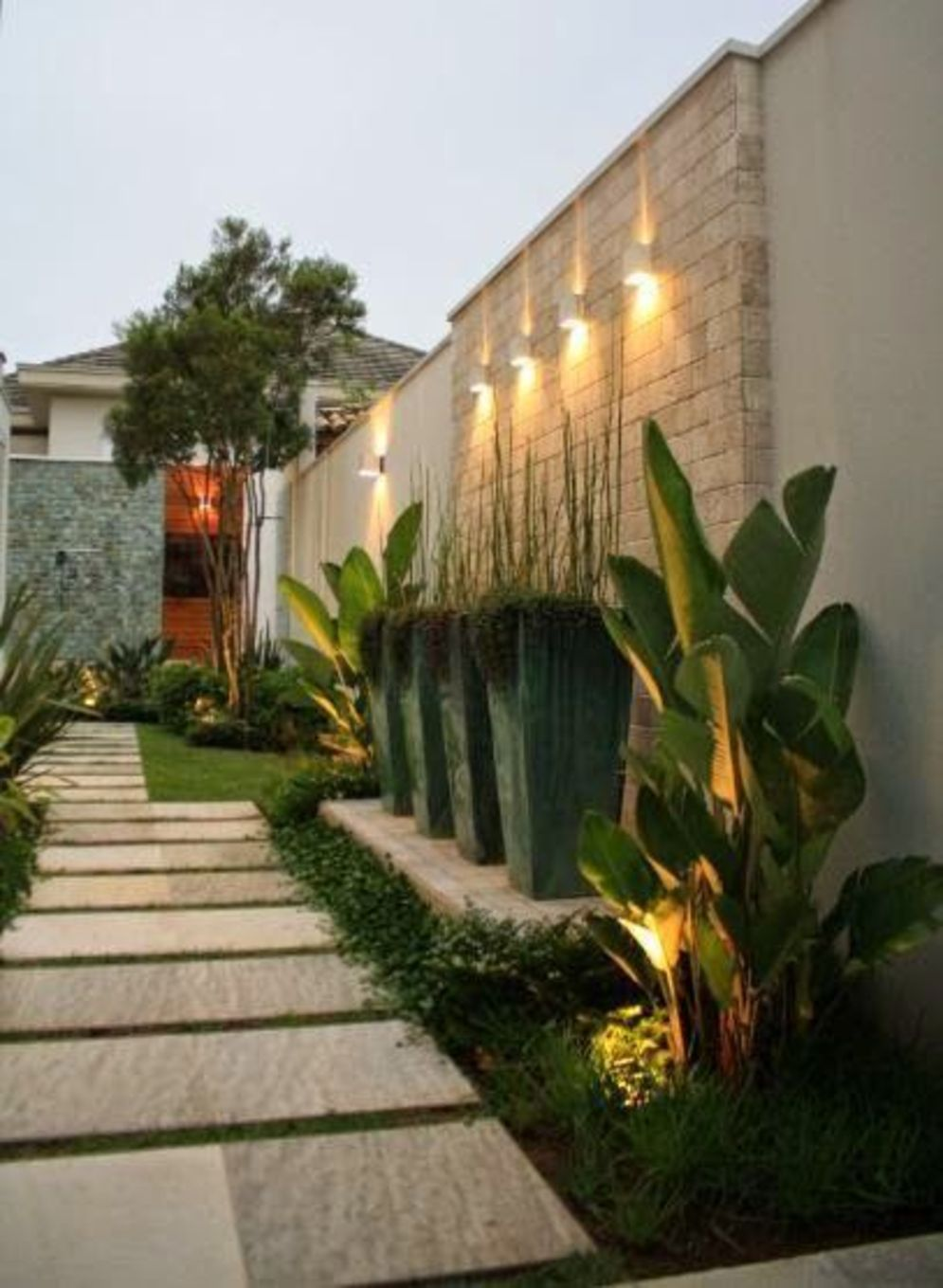Lavish garden upgrade showing beautiful outdoor light schemes that liven up the landscape view Image 44