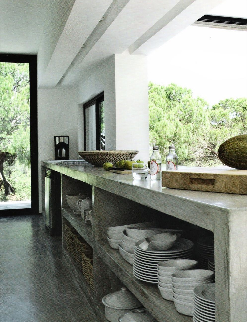 Modern kitchen updates using efficient concrete benchtops to show sturdier interior display Image 33