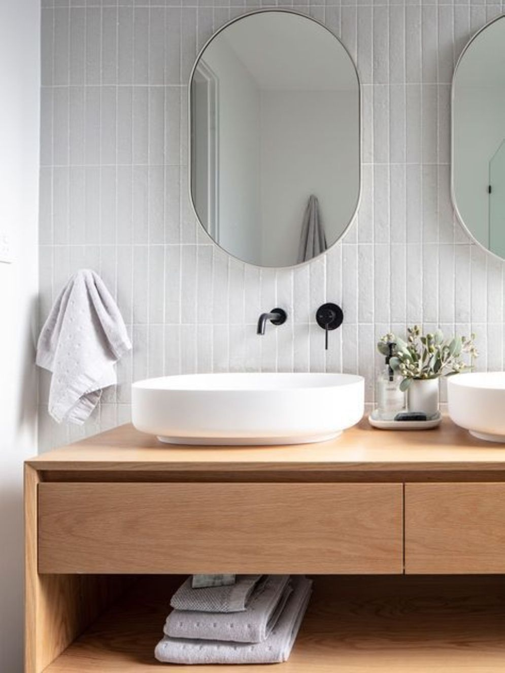 Most savvy bathroom designs with elegant wood finish to give more natural feel Image 9