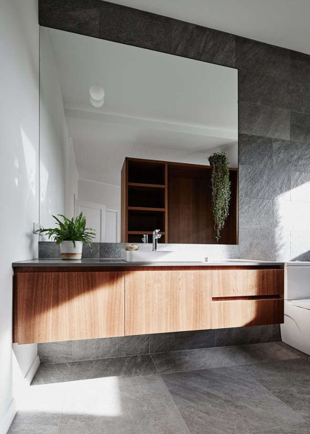 Timeless bathroom designs with wood accents enhancing more natural vibes Image 22