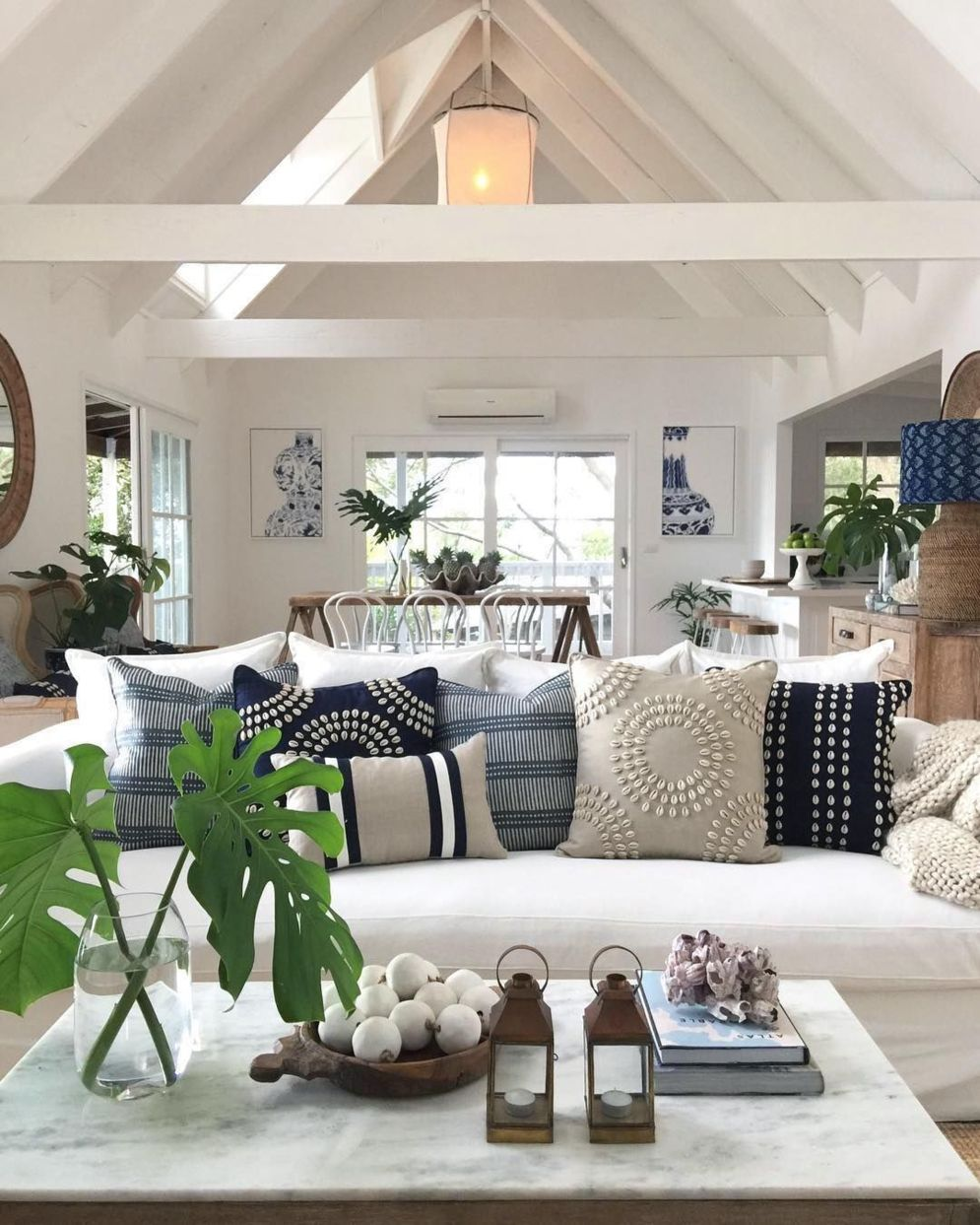 Spacious home images with vaulted ceiling showcasing grand and wonderful home design Image 25