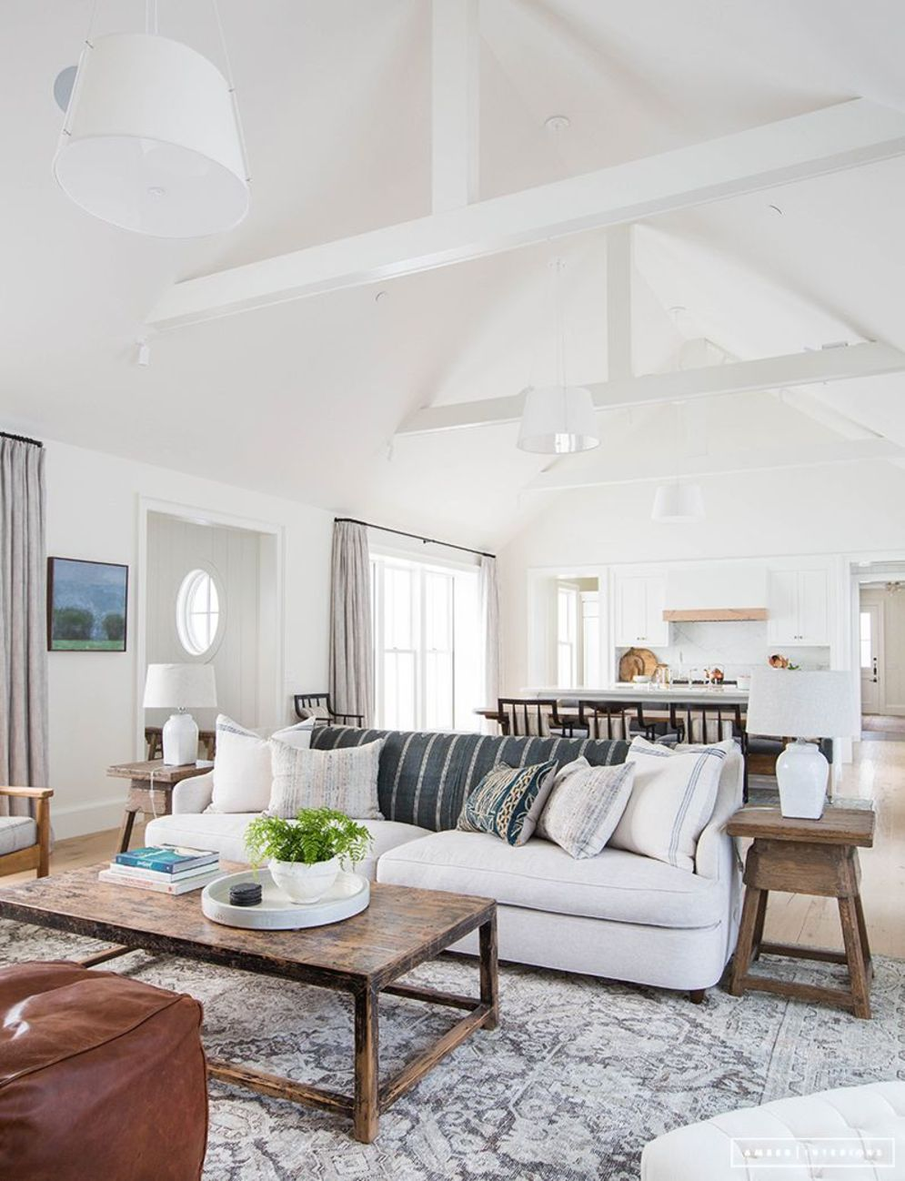 Spacious home images with vaulted ceiling showcasing grand and wonderful home design Image 28