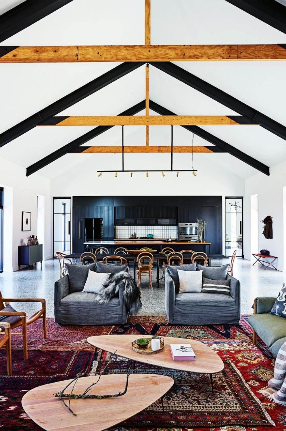 Spacious home images with vaulted ceiling showcasing grand and wonderful home design Image 37