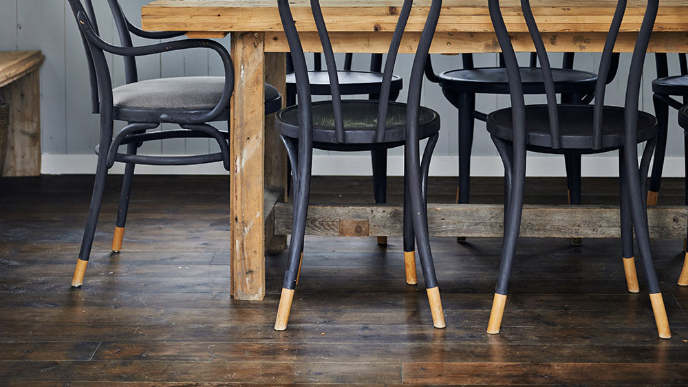 une chaise de bistrot customisee