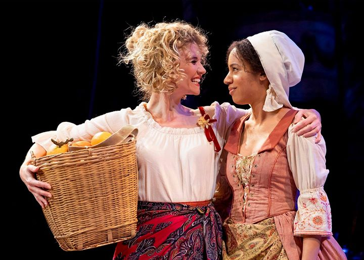 """Actresses Scarlett Strallen (Nell Gwynn) and Emma Ladji (Rose) in Chicago Shakespeare's production of """"Nell Gwynn."""""""