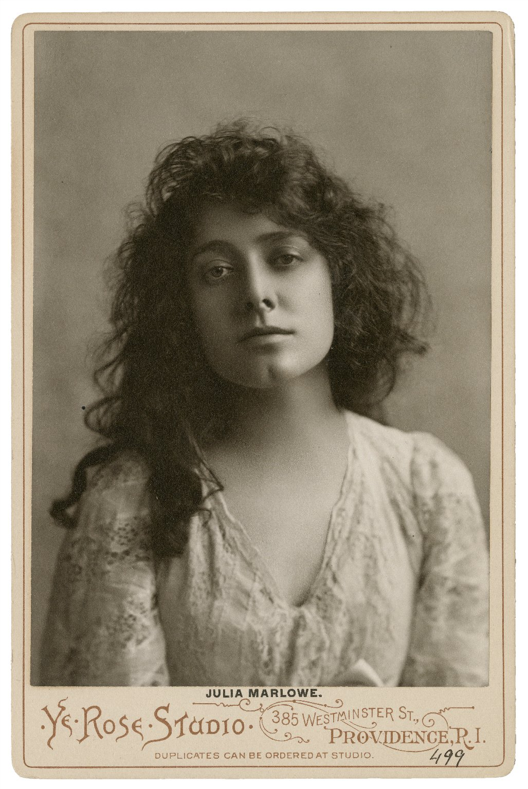 Julia Marlowe (actress). Photo. Late 19th or early 20th century. Folger Shakespeare Library.