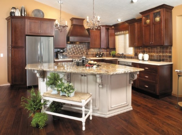 Stained Cabinets Versus Painted Cabinets