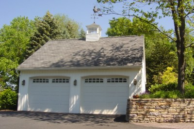 7 Top Reasons to Consider Replacing Your Garage Door