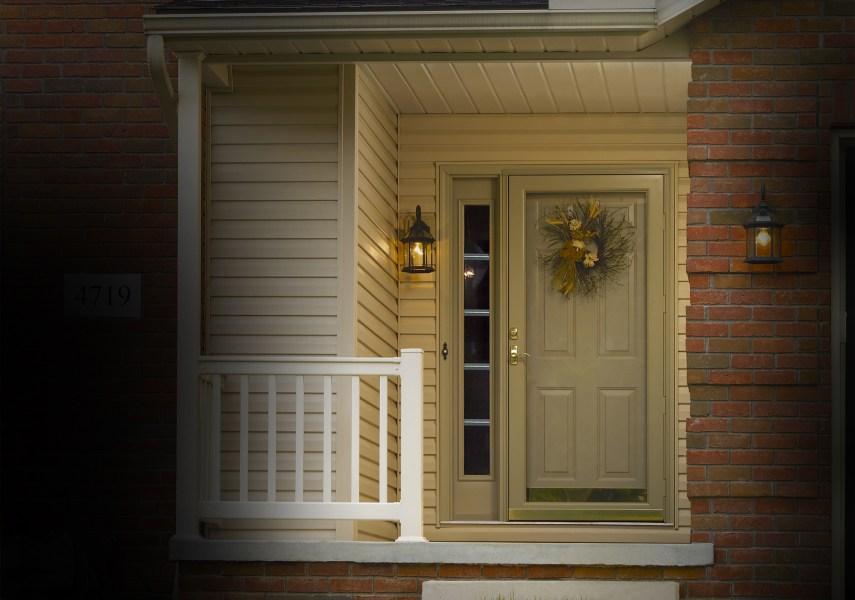 PROVIA Deluxe 397 Entry Storm Door