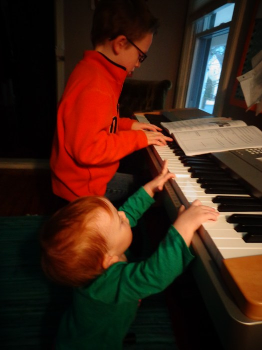 Playing the piano on Shalavee.com