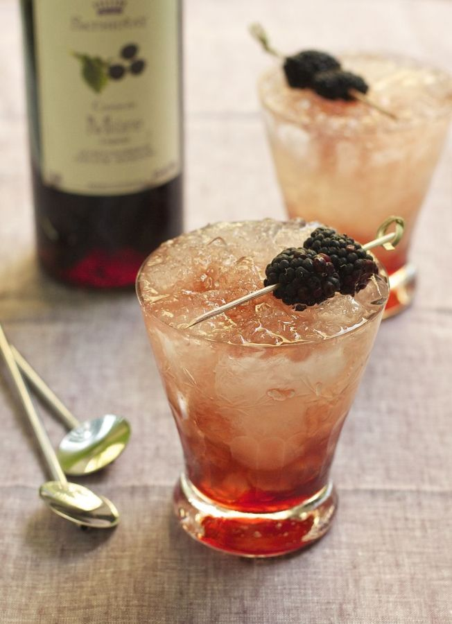 bramble drink from Urban Comfort via Shalavee.com