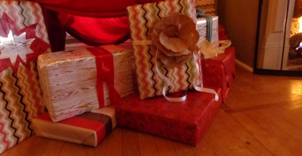 presents under the tree 2014 on Shalavee.com