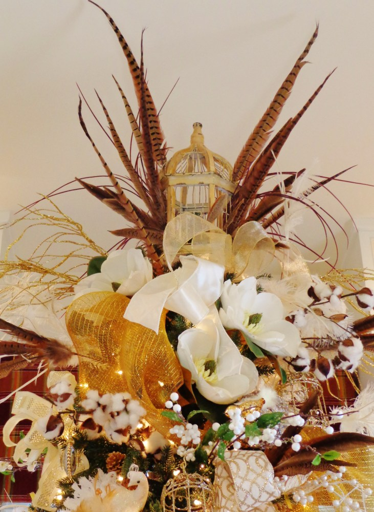 Southern style tree topper on Shalavee.com