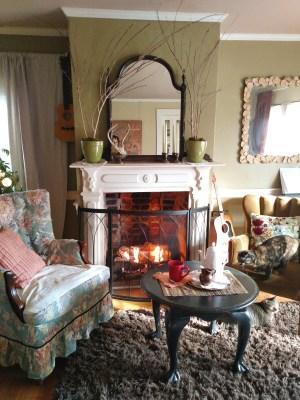My cozy livingroom on Shalavee.com