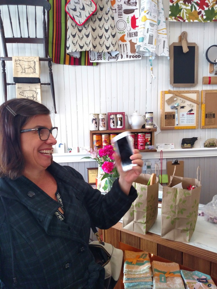 Leslie and her new phone in Rose's shop n Shalavee.com