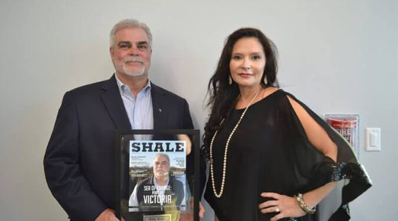 March April 2016 SHALE Oil & Gas Business Magazine Cover Party honoring Robby Burdge, Chairman, Port of Victoria