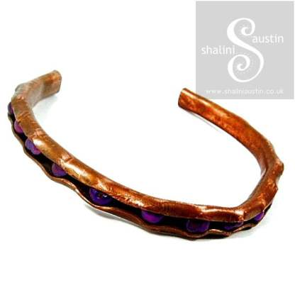 Rustic Copper Bracelet with Freshwater Pearls – Purple