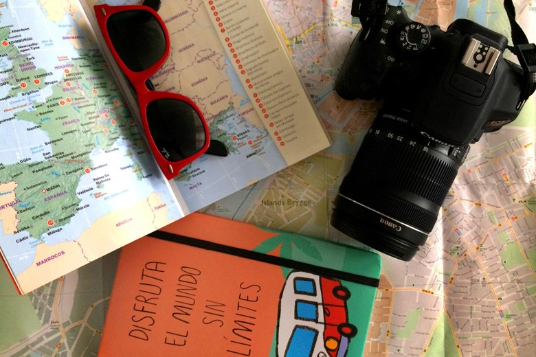 one day trip packing list travel entertainment