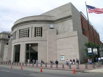 1 USHolocaust MemorialMuseum