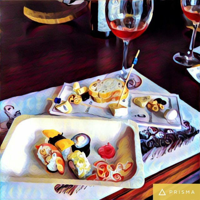 Sushi-cheese-platter-wine-glass-oberoi-hotel-gurgaon-wine-event-fine-wine-affair-#fridayfiction