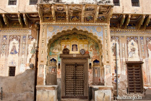 A2Z-BADGE-2017-blogging-challenge-theme-reveal-travel-stories-picture-speaks-louder-than-words-april-shalzmojosays-shekhawati-rajasthan-india-frescos-open-air-art-gallery