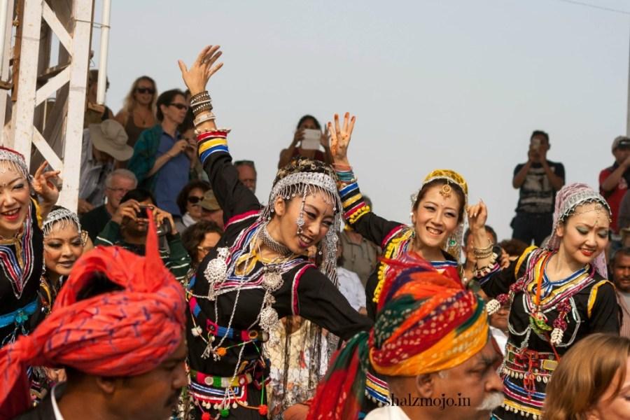 A2Z-BADGE-2017-blogging-challenge-theme-reveal-travel-stories-picture-speaks-louder-than-words-april-shalzmojosays-roadtrip-girltravel-india-shekhawati-haryana-rajasthan-pushkar-camel fair-kalbeliya-dance-traditional-rajasthani-japanese