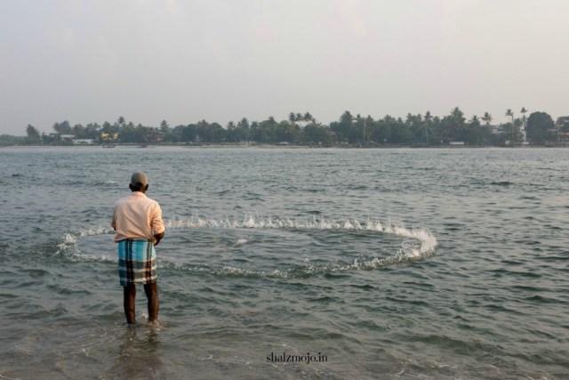 A2Z-BADGE-2017-blogging-challenge-theme-reveal-travel-stories-picture-speaks-louder-than-words-april-shalzmojosays-roadtrip-girltravel-india-fort-kochi-beach-nonchalant-morning-walk-kittens-waves-sea-seashells-fishing-nets-kerala-appams