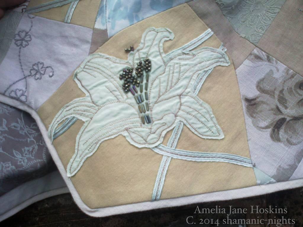 Lily Applique Corners... Click image for details