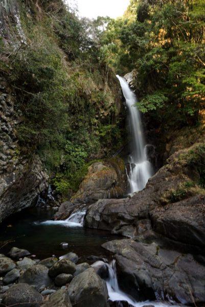 Второй по высоте, водопад Kama — «котёл». В него нужно кричать, что есть сил, выкрикивать все, что на душе.