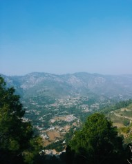 The breathtaking view on the way to Monal