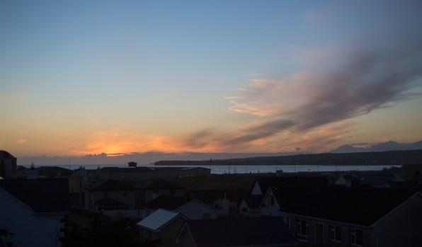 Sonnenuntergang von unserem Wohnzimmer-Fenster | Sunset from our sitting room window