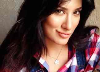 Top 5 Most Beautiful Pakistani Actress, Mehwish Hayat, Saba Qamar, Mahira Khan, Sanam Baloch, Maya ali, Pakistani actresses Biography, Top 5 Actress in Pakistan