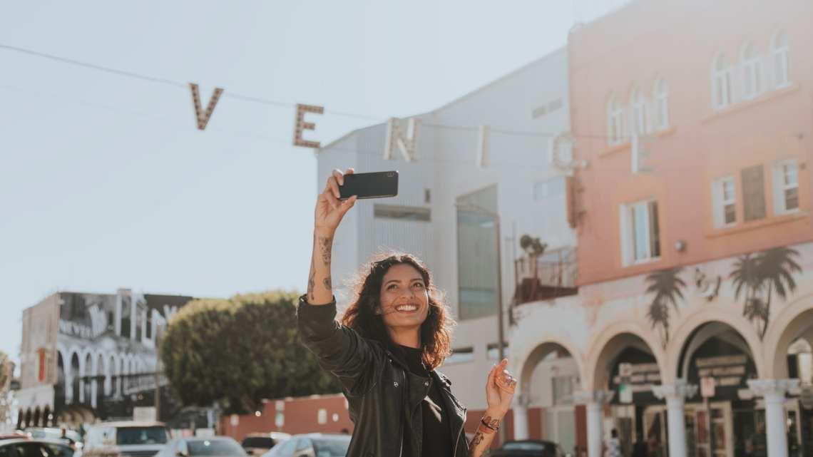 Hosting-an-Instagram-Live-Session-like-a-Pro