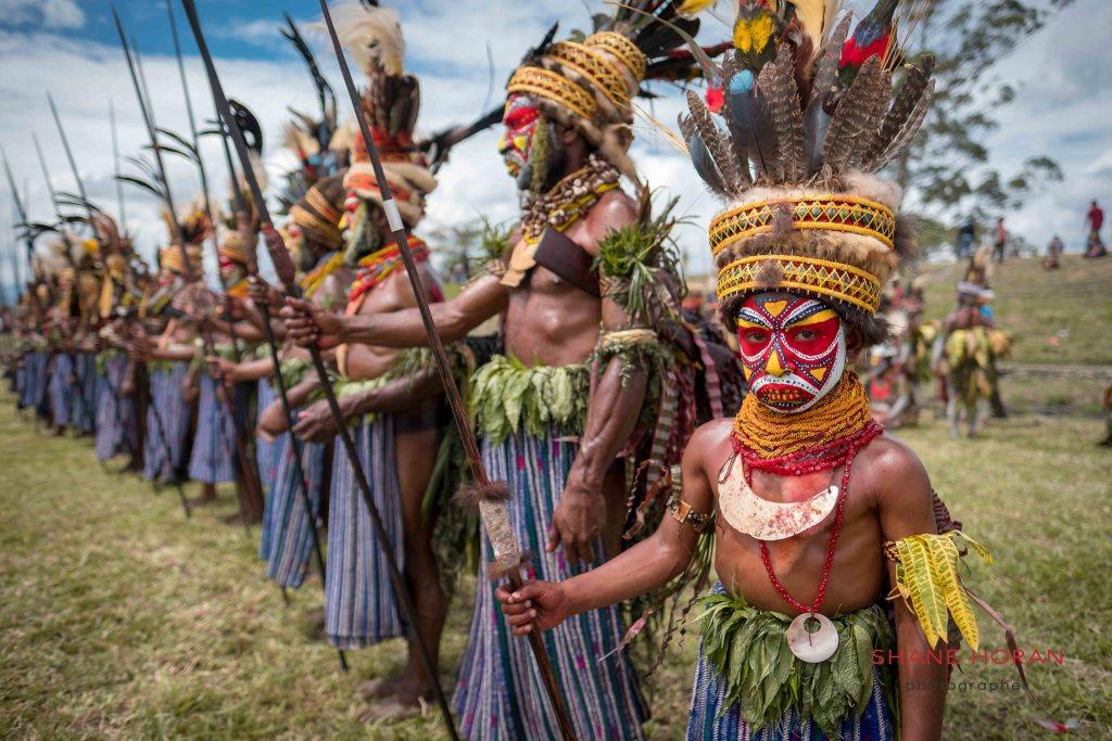 Tribal line up, Mount Hagen, Papua New Guinea