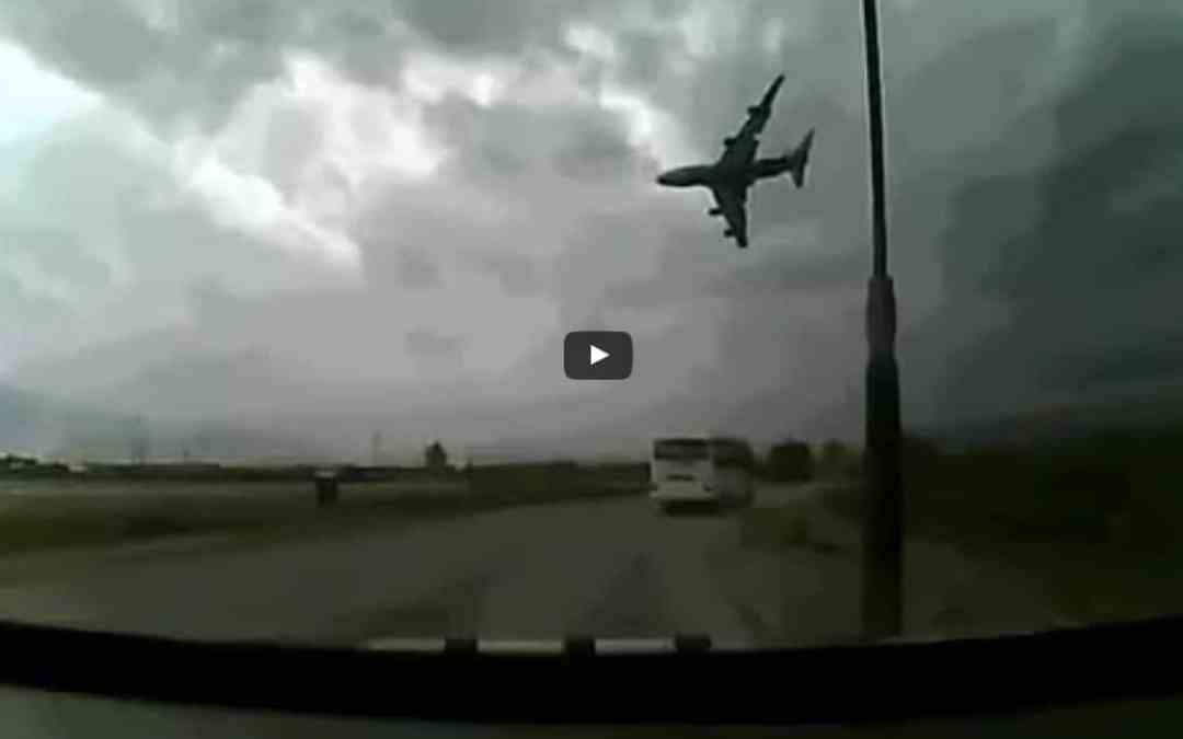 Boeing 747 crash is captured on video