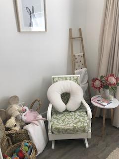 Nursing chair and nursing pillow
