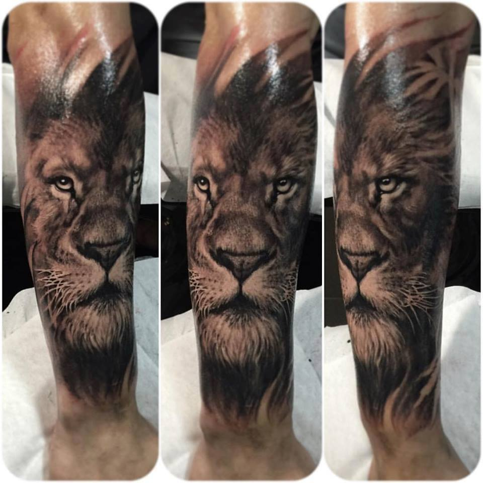 zhuo dan ting tattoo work lion tattoo卓丹婷写实狮子纹身