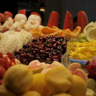 Street eats, decorative fruit, at the Shinlin Night Market in Taipei, Taiwan.