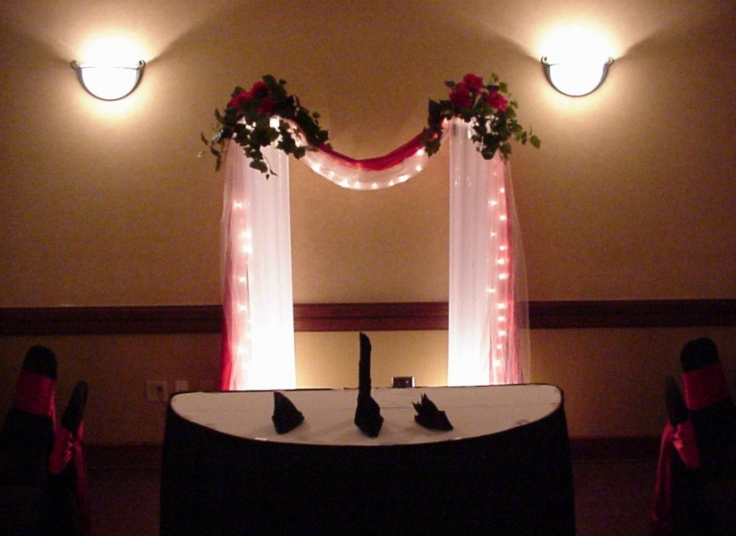 Shannons Custom Florals columns Wedding Rentals Springfield MO Eureka Springs (17)