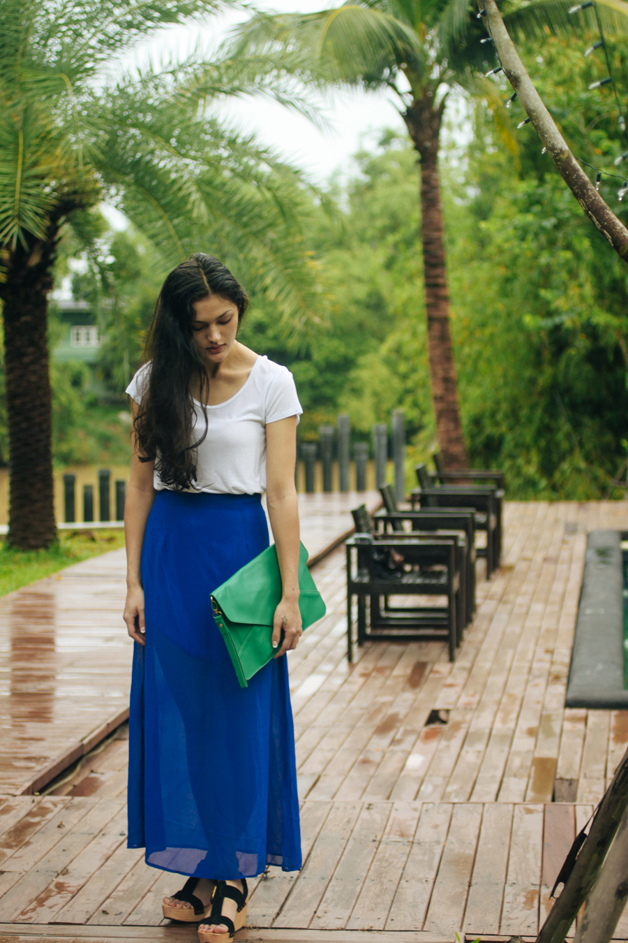 Thai fashion blogger wearing a blue maxi skirt at the Aroonsawad Riverview Resort in Prachinburi.