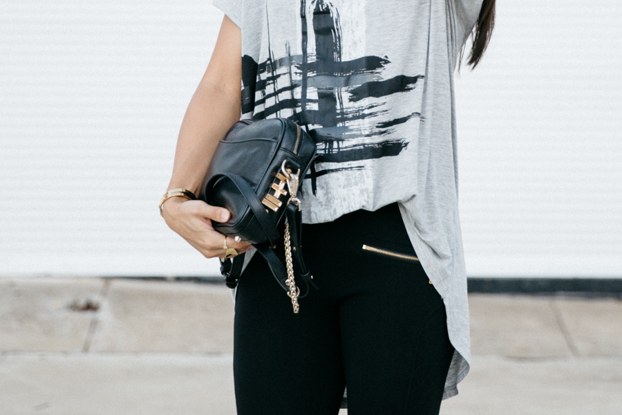 Paint stroke print tee outfit.