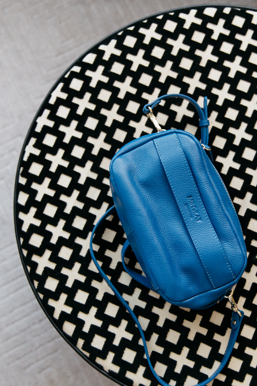 Blue leather bag by Minskat Copenhagen - Isobel bag.