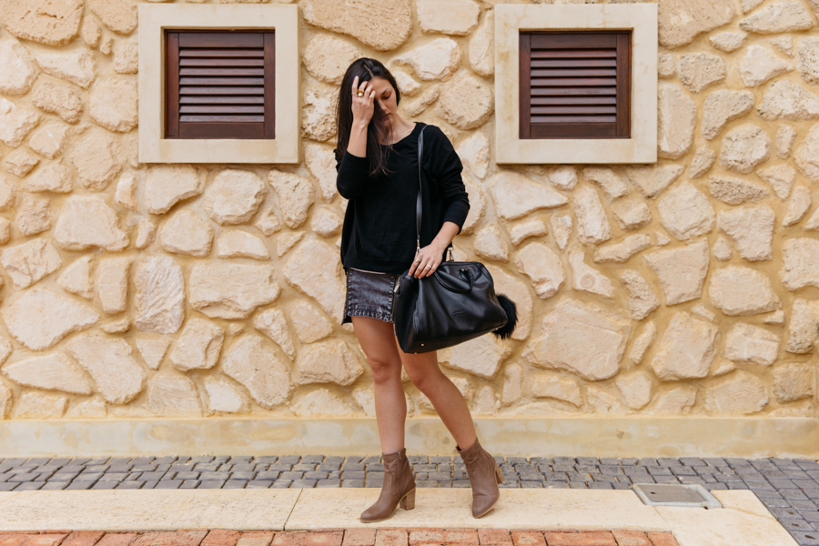 Australian life & style blogger. Taupe leather boots.
