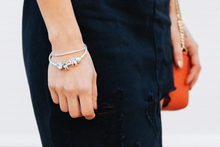 Pandora charms fashion blogger.
