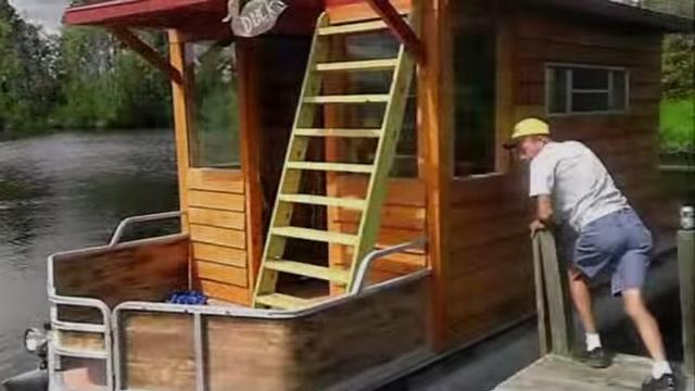 Tar River pontoon houseboat - YouTube.clipular