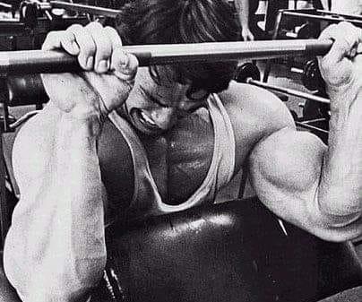 アーノルドシュワルツネッガー腕のトレーニング