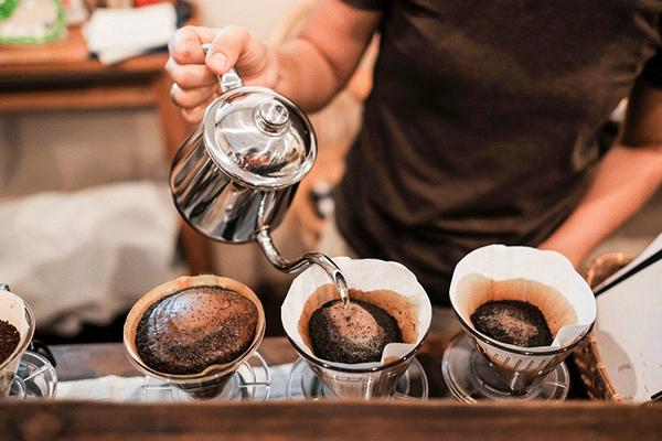 眠気を打破!コーヒーのカフェイン効果は何時間?